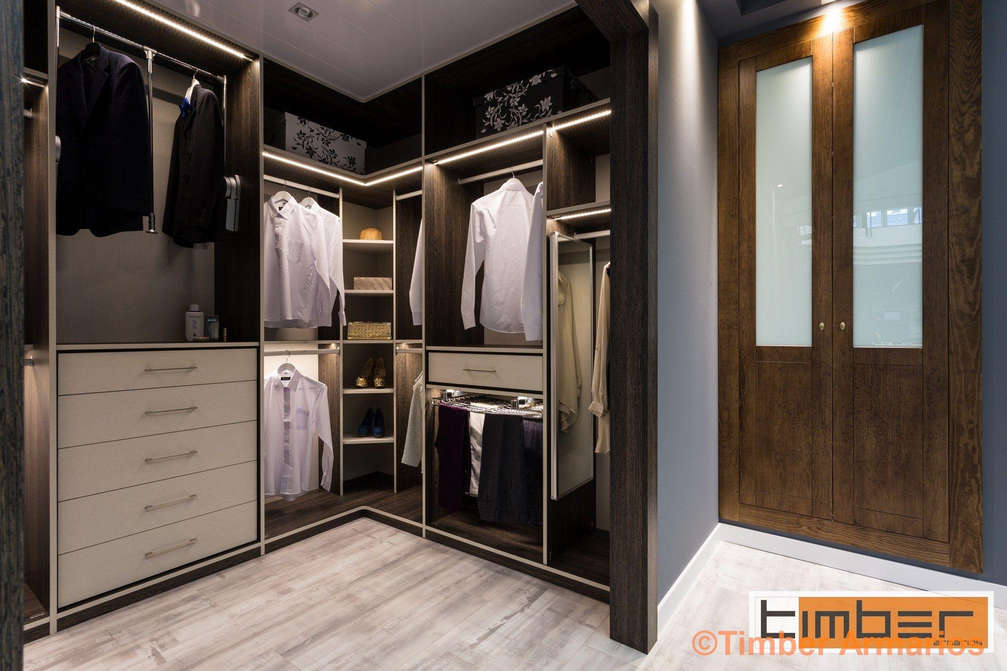 armario vestidor completo en habitacion derecha